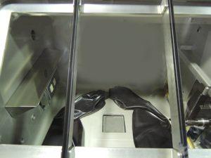 グローブボックスにGBWLVPU70を組み込んだ状態