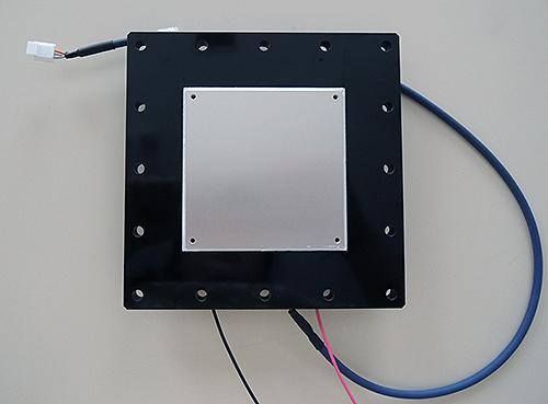 グローブボックス専用水冷式冷却ユニット
